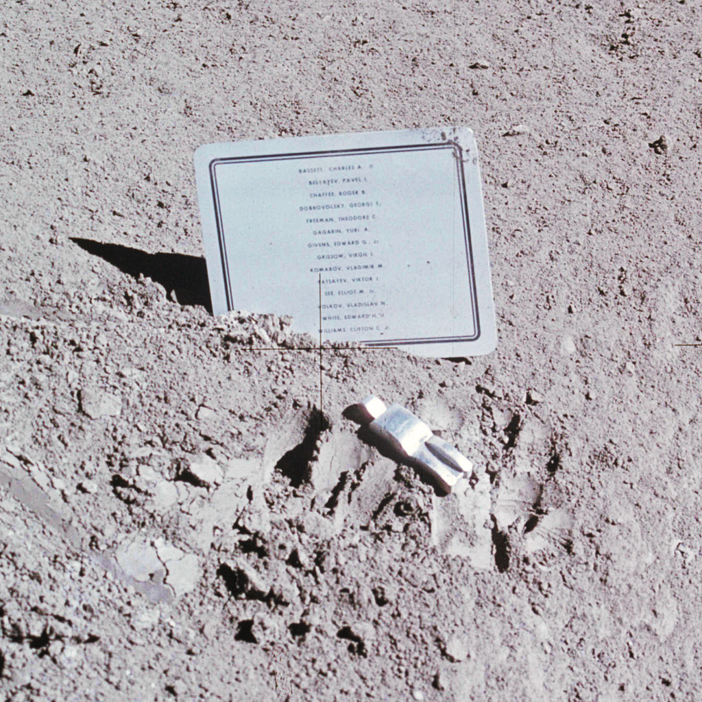 fallen astronauts nasa - photo #3